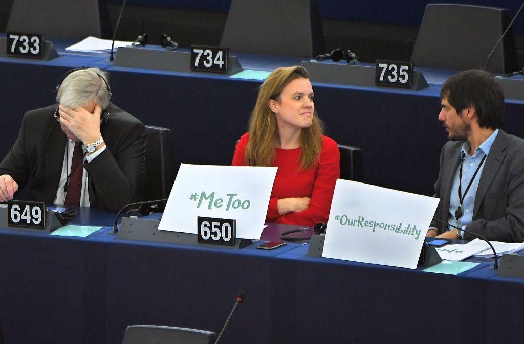 Die grüne Europaabgeordnete Terry Reintke positioniert sich bei einer Debatte im EU-Parlament als Unterstützerin des digitalen #metoo-Aufschreis. Foto: AFP