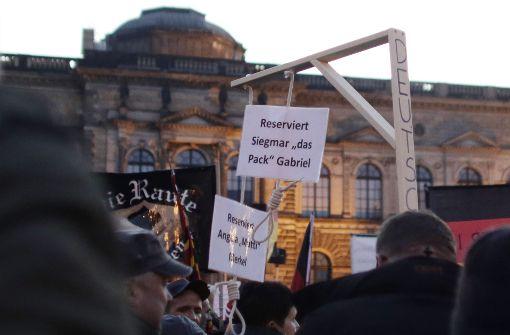 Sächsische Justiz erlaubt Verkauf von Mini-Galgen für Merkel