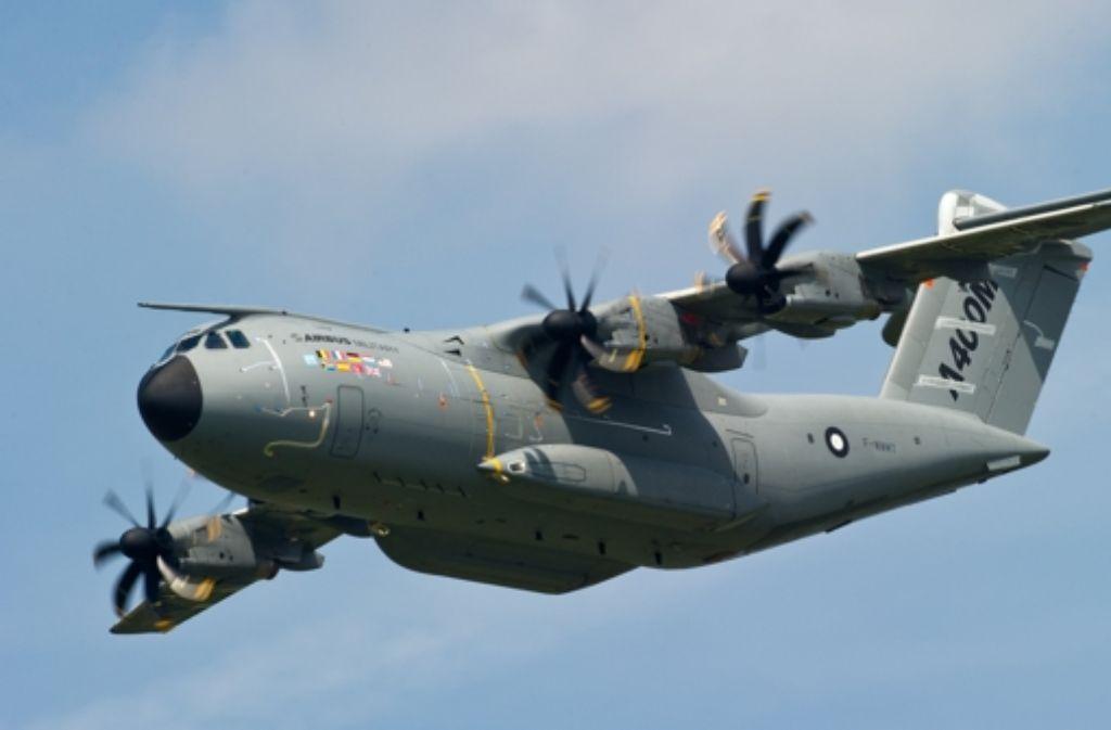 Das militärische Transportflugzeug Airbus A 400M. Foto: dpa