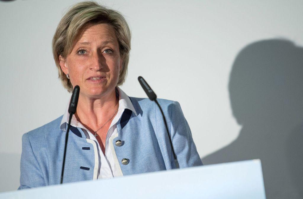 Baden-Württembergs Wirtschaftsministerin Nicole Hoffmeister-Kraut (CDU) erklärt die konjunkturelle Abschwächung im Südwesten. Foto: dpa/Sebastian Gollnow