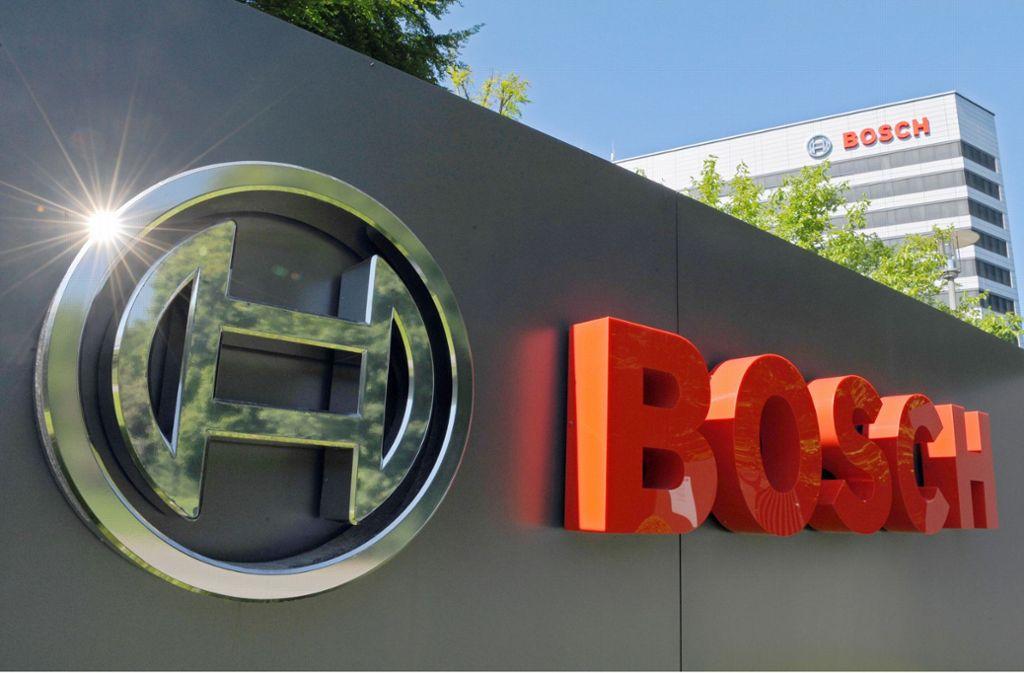 Die Vereinbarung für die Bosch-Standorte Stuttgart-Feuerbach und Schwieberdingen, wo bislang 1600 Jobs auf der Kippe standen,  ist unter Dach und Fach. Foto: dpa/Sebastian Gollnow
