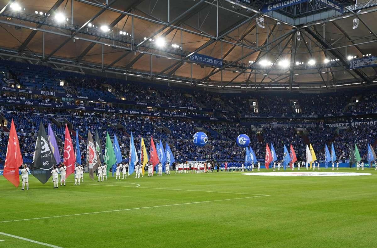 Die 2. Bundesliga startete am Freitag in die neue Spielzeit. Foto: imago images/Nordphoto/nordphoto GmbH