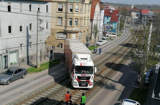 SSB-Verkehr zur Bergung stundenlang unterbrochen