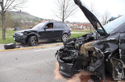 Drei Verletzte nach schwerem Unfall