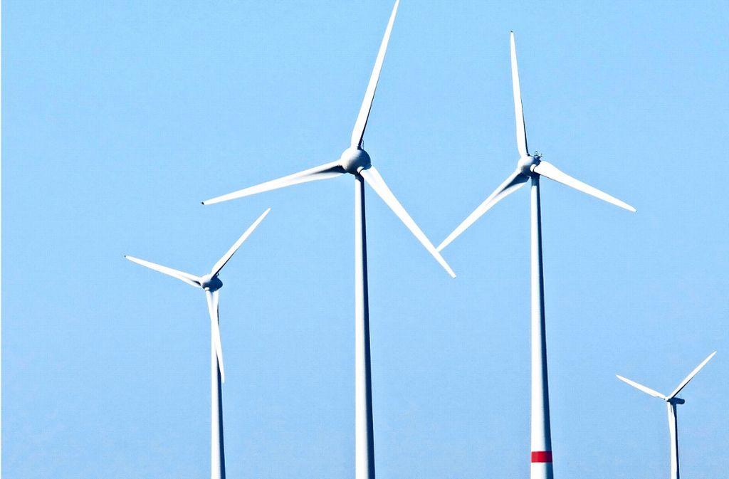 Im Landkreis wird es etliche Windräder weniger geben als   einst geplant Foto: Adobe Stock