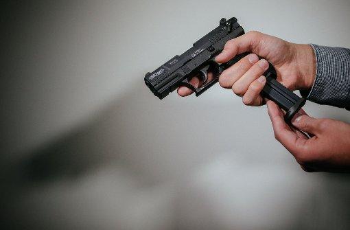 Supermarkt mit Pistole überfallen