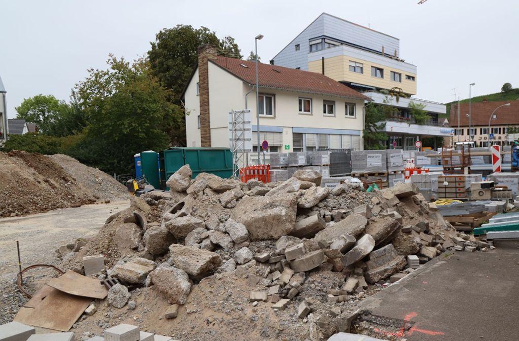 Erzwingt Umweg: für Fußgänger nicht geeignete Baustelle der Klosterstraße. Foto: Patricia Sigerist