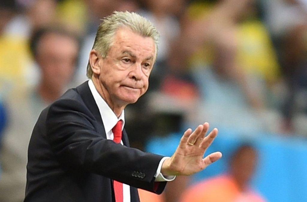 Ottmar Hitzfeld kritisiert den VfB-Manager Michael Reschke für dessen Lüge. Foto: dpa