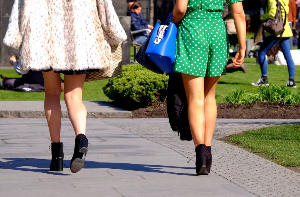 Das Fotografieren unter Röcke und Kleider wird auch als Upskirting bezeichnet. Foto: Jane Barlow/PA Wire/dpa