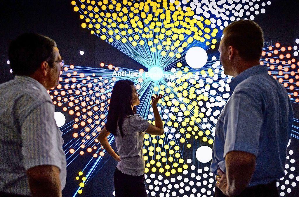 Künstliche Intelligenz ist auch bei den Firmen der Region ein wichtiges Forschungsfeld: Bei Bosch arbeiten Wissenschaftler daran, aus großen Datenmengen neue Informationen zu ziehen. Foto: Bosch