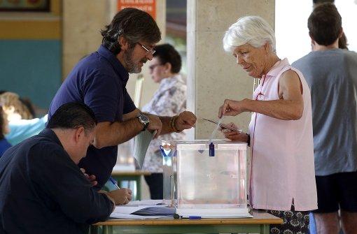 Spanier werden wieder an die Urnen gebeten