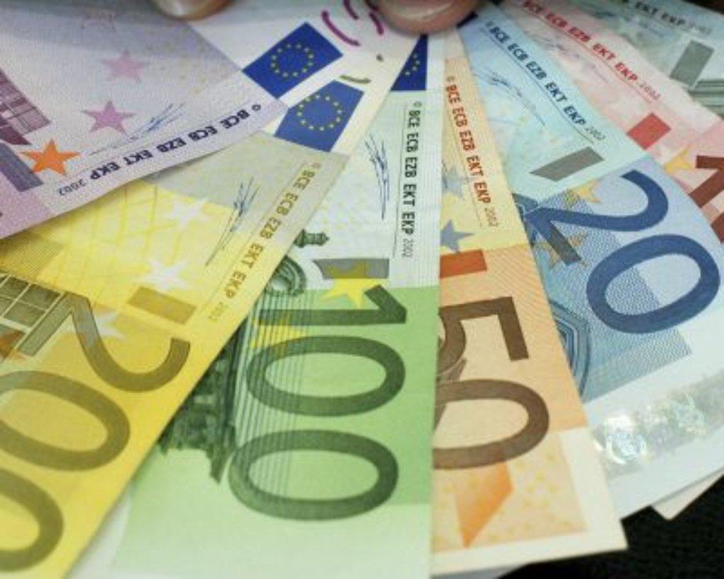 Mehrere Hunderttausend Euro illegaler Versicherungssummen soll ein 29-Jähriger ergaunert haben. (Symbolbild) Foto: AP