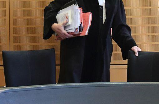 Richter vorläufig des Dienstes enthoben - Staatsanwalt ermittelt