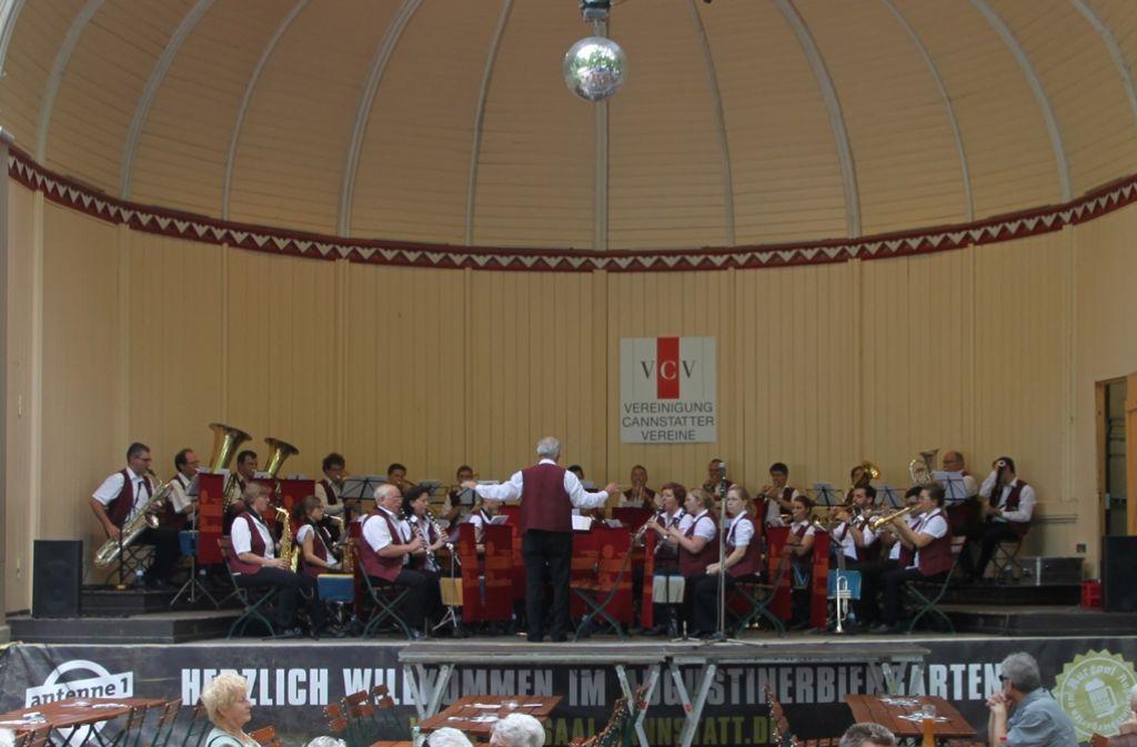 Der Musikverein Stadtorchester Feuerbach tritt in der Kursaalmuschel Bad Cannstatt auf. Foto: Vereinigung Cannstatter Vereine (VCV)