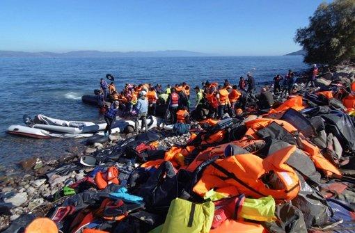 Mindestens 35 Flüchtlinge ertrunken
