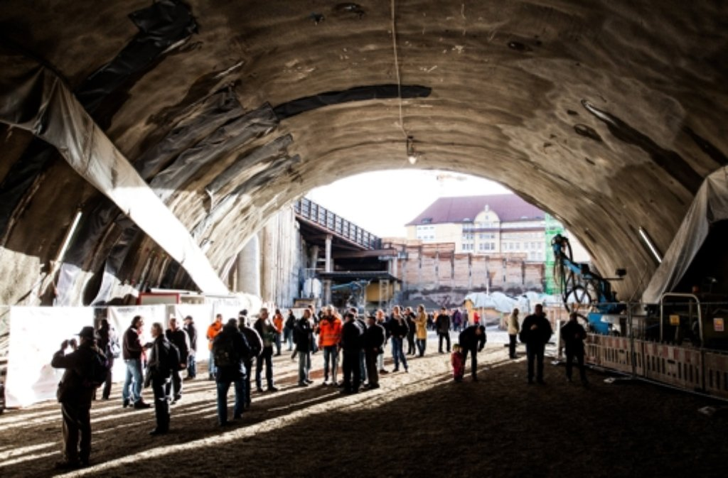 Die Baustelle für den Stuttgarter Tiefbahnhof ist zum ersten Mal für die breite Öffentlichkeit zugänglich. Foto: dpa