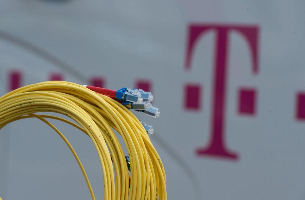 Der Kreis und die meisten Kommunen wollen sich beim Breitbandausbau auf eine Kooperation mit der Telekom einlassen. Foto: dpa