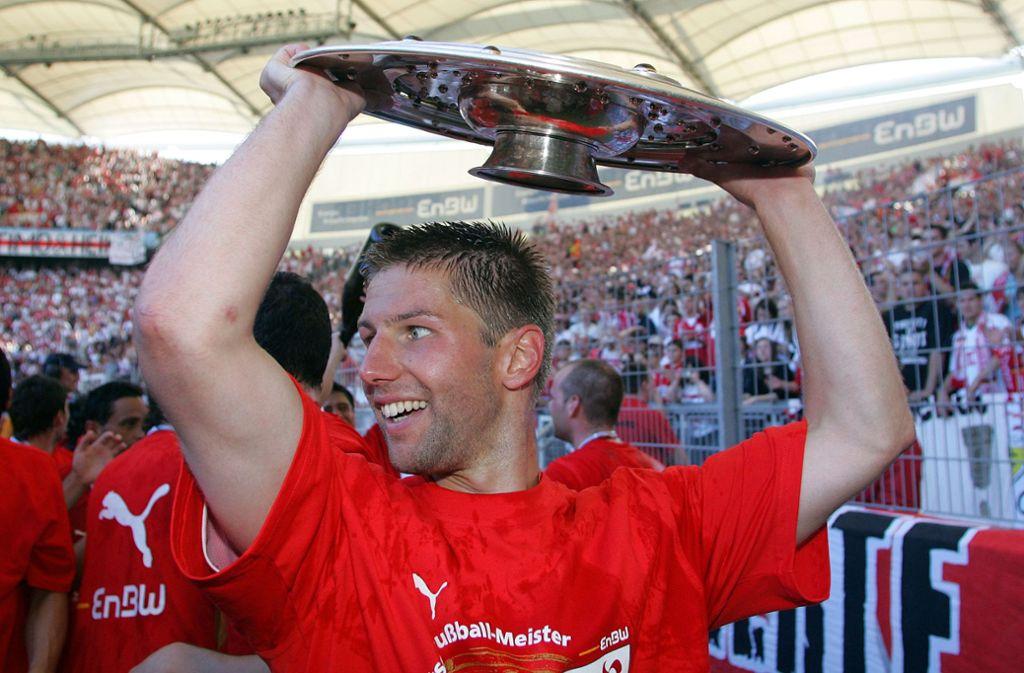 Thomas Hitzlsperger auf dem Höhepunkt seiner Karriere: Mit dem VfB Stuttgart wurde der heute 36-Jährige Deutscher Meister. Foto: Pressefoto Baumann