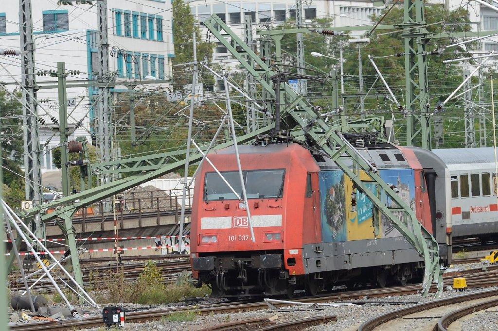 Nach der Zugentgleisung am Samstag am Stuttgarter Hauptbahnhof müssen Reisende weiter mit Einschränkungen im Bahnverkehr rechnen. Foto: www.7aktuell.de/Eyb
