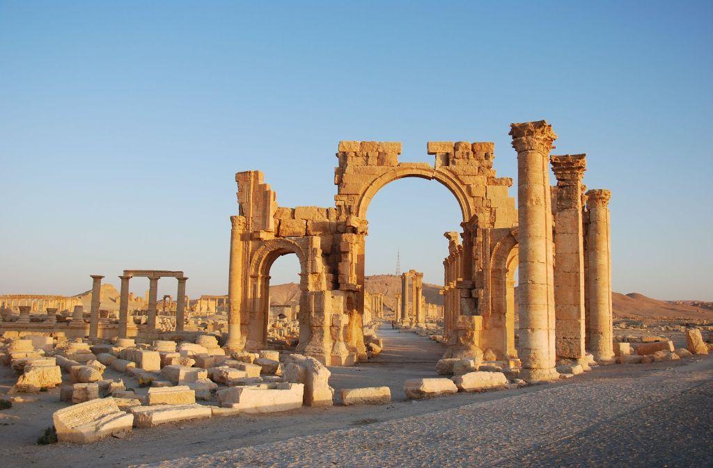 Der 28-Jährige soll an der Erschießung von fünf syrischen Armeeangehörigen in Palmyra beteiligt gewesen sein. Foto: dpa