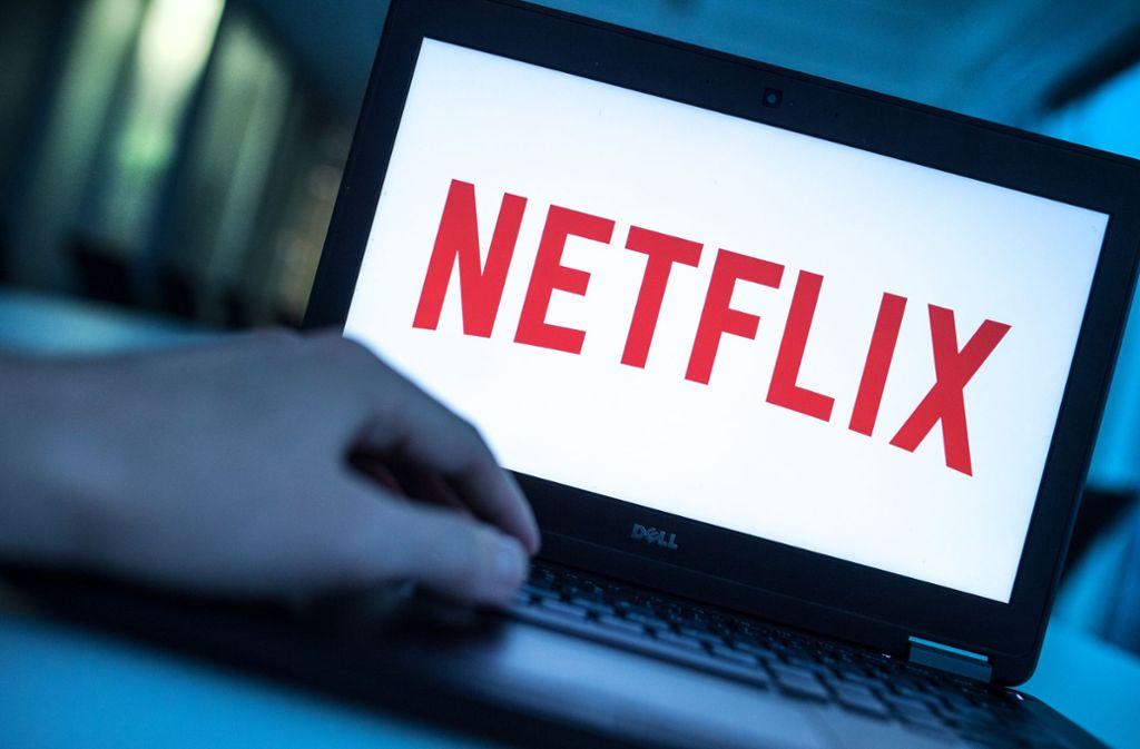 Der Online-Videodienst Netflix ist in Zeiten von Corona beliebt wie nie. Foto: picture alliance/dpa/Alexander Heinl