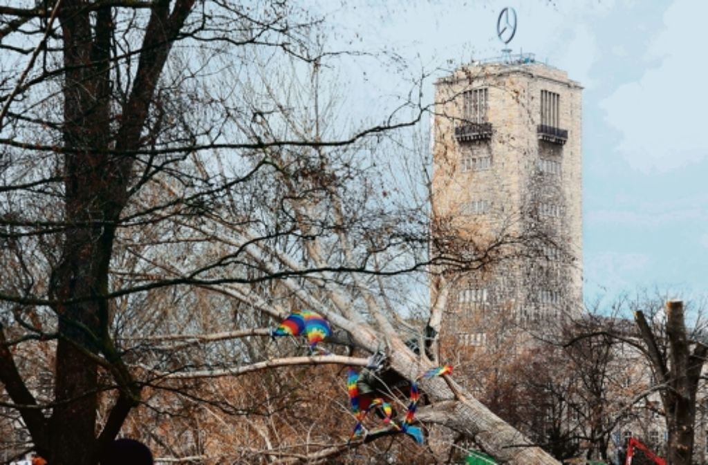 "Weil am 30. September 2010 Bäume im Schlossgarten fielen, fallen Auskünfte zum ""schwarzen Donnerstag"" unter das Umweltinformationsgesetz. Foto: dpa"