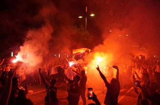 Schreckminuten mit vermummten Chaoten auf der Theodor-Heuss-Straße