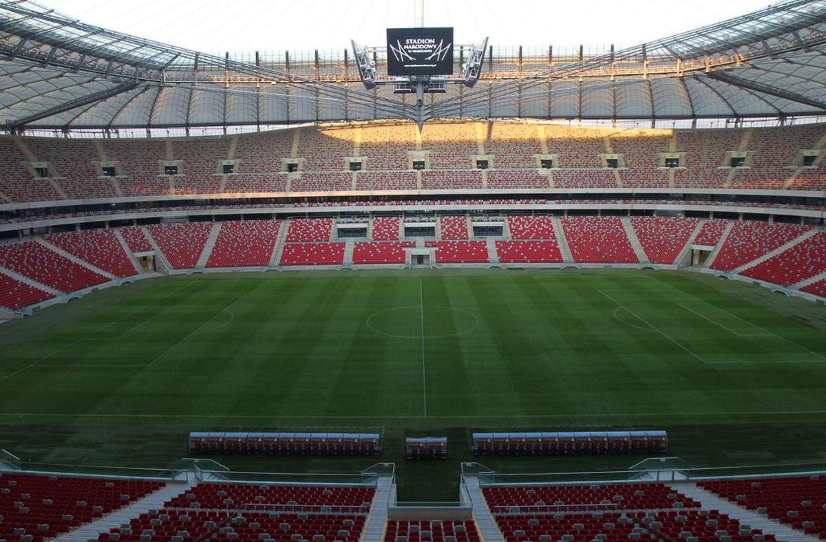 Das Stadion in Warschau war für die Fußball-Europameisterschaft 2012 gebaut worden. Nun sollen dort Corona-Patienten behandelt werden (Archivbild). Foto: dpa/Maciej Kulczynski