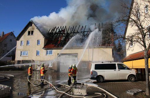 Haus nach Brand einsturzgefährdet