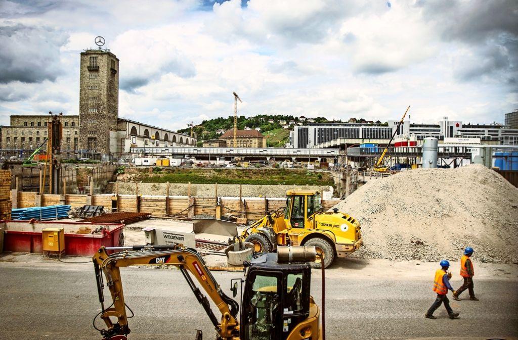 Wann wird der neue Bahnhof fertiggestellt? (Archivfoto) Foto: Lichtgut/Leif Piechowski
