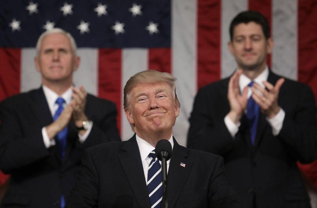 Trump zeigt sich bei seinem Auftritt vor dem US-Kongress von seiner netten Seite. Foto: AP