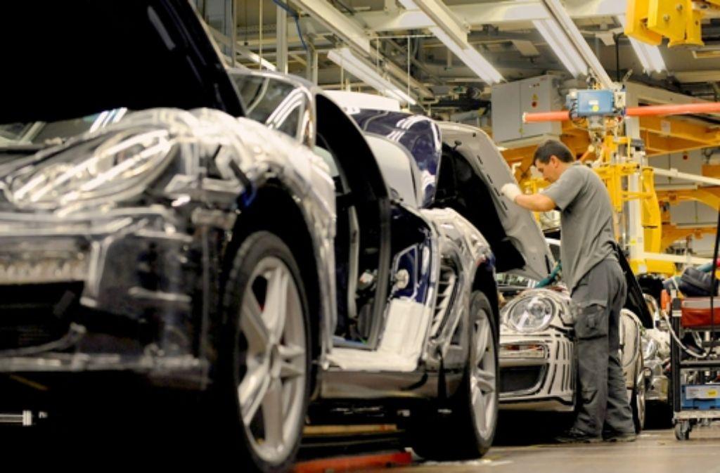 Boxster-Produktion  bei Porsche in Zuffenhausen. Weitere Top Unternehmen aus Baden Württemberg sehen Sie in unserer Fotostrecke. Fotos:dpa Foto: