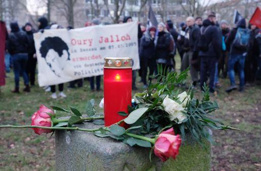 In Dessauer Polizeizelle verbrannt – Neues Gutachten vorgestellt