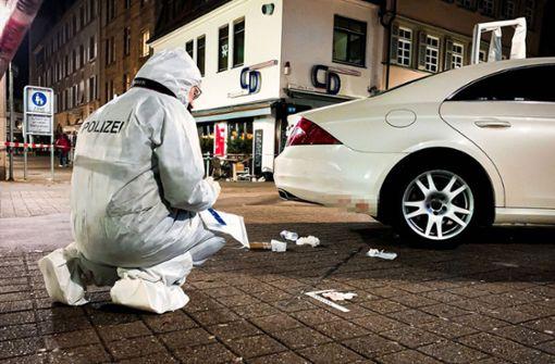 Polizei fahndet nach dem Messerstecher