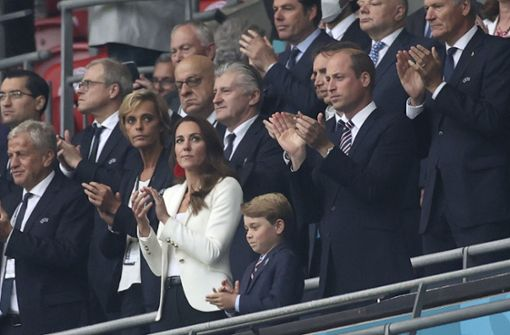 So emotional fiebern Prinz William und Herzogin Kate im Stadion mit