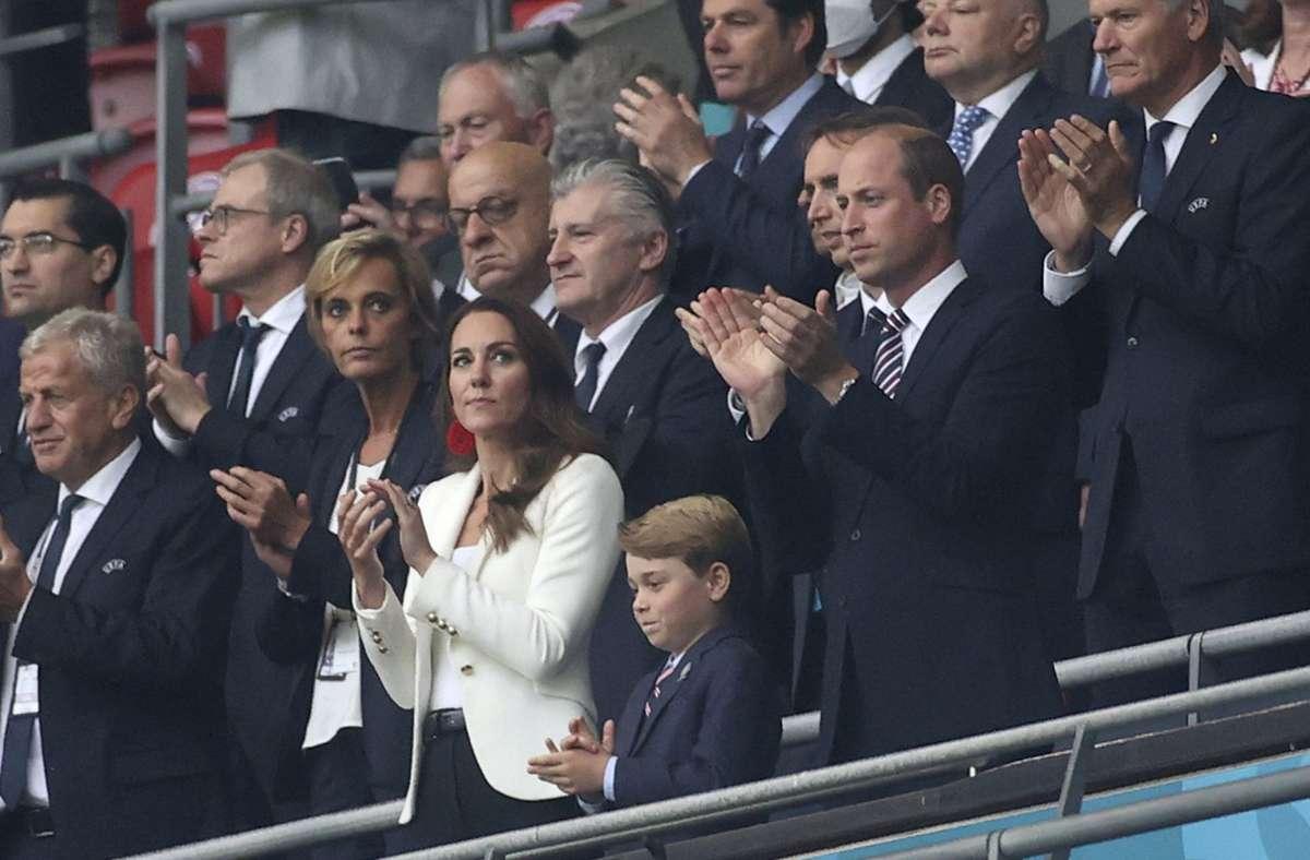 Die Royals verfolgten das EM-Finale live im Stadion. Foto: dpa/Carl Recine