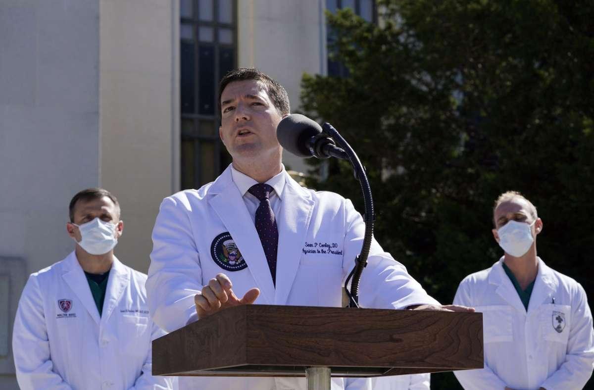 Dr. Sean Conley sorgte mit seinen Aussagen für Verwirrung. Foto: dpa/Susan Walsh