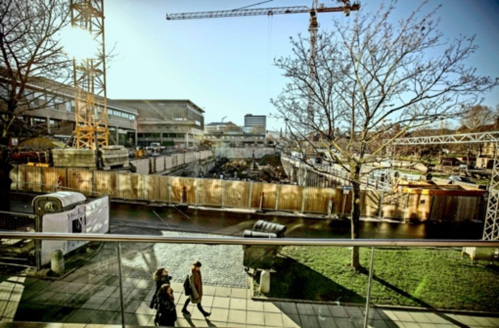 Während es beim Altbau Probleme gibt, gehen die  Arbeiten am Erweiterungsbau der Landesbibliothek gut voran. Foto: Lichtgut/Leif Piechowski