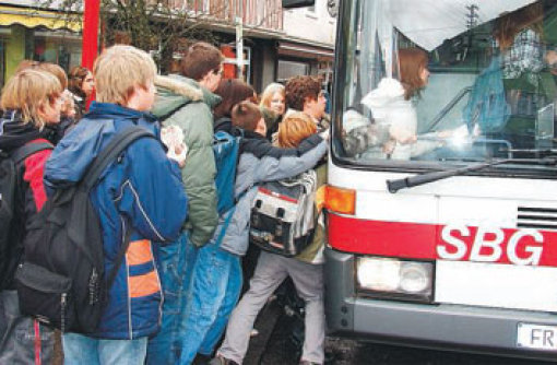 Polizei zieht acht Schulbusse aus dem Verkehr