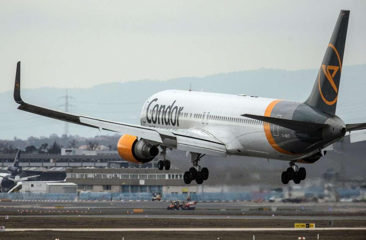 Das kriselnde Unternehmen Condor wurde mit 550 Millionen Euro Kredit gestützt. (Archivbild) Foto: dpa/Boris Roessler