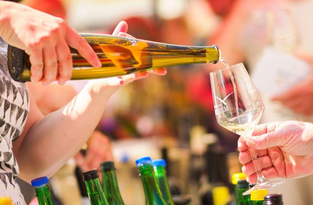 Schlechte Nachricht für alle Vegetarier: Viele Weinsorten werden mithilfe tierischer Stoffe hergestellt. Foto: dpa