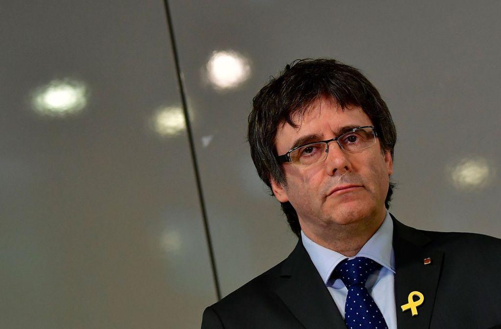 Der katalanische Ex-Regionalpräsident Carles Puigdemont und fünf weitere Separatisten wurden vom Obersten Gericht in Spanien als Abgeordnete suspendiert. Foto: AFP
