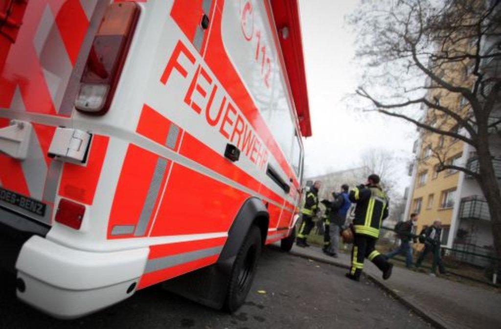 Eine Seniorin ist bei einem Brand am Freitagvormittag in der Jahnstraße in Stuttgart-Degerloch schwer verletzt worden. Foto: dpa