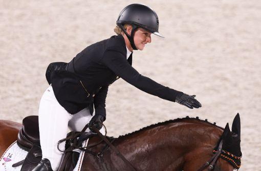 Julia Krajewski reitet zu Gold in der Vielseitigkeit
