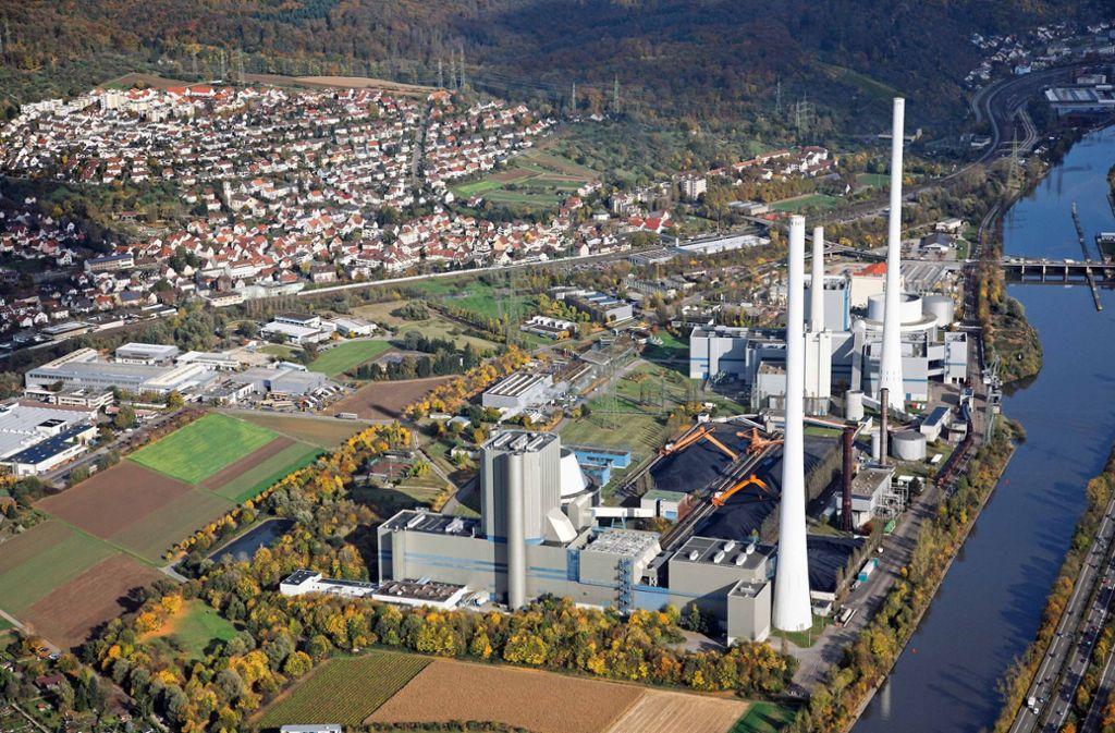 Das Kraftwerk in Altbach hat eine elektrische Leistung von rund 1200 Megawatt. Foto: EnBW