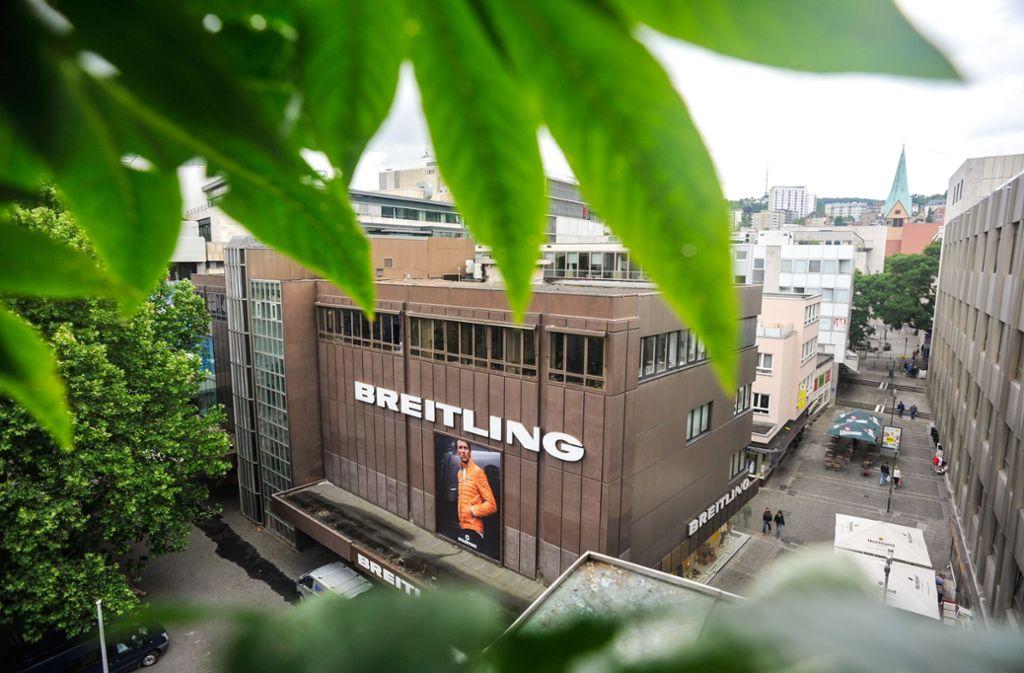 Ein vertrauter Schriftzug neben dem Rathaus: Breitling hat sich rund 71 Jahre in Stuttgart behaupten können. Nun ist Schluss. Foto: Lichtgut/Max Kovalenko