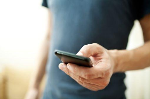 Fear of missing out wird durch Social Media verstärkt. Mehr dazu im Artikel.
