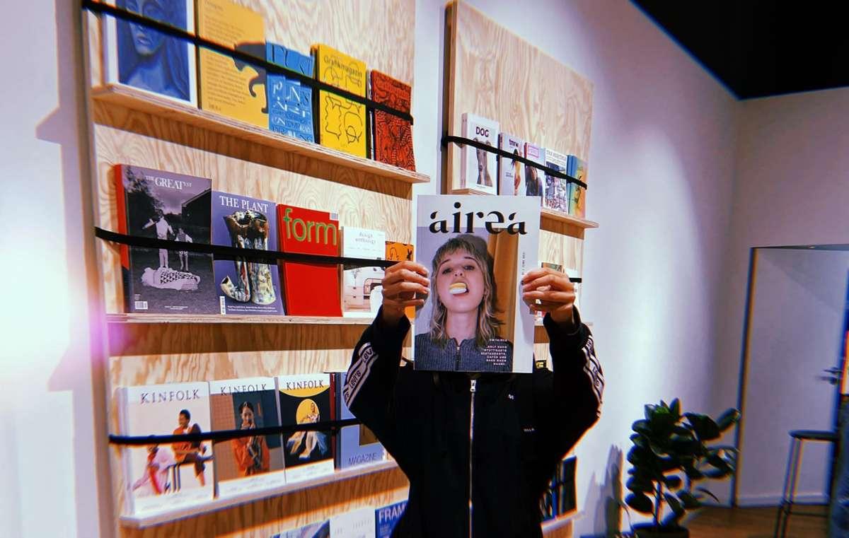 Coole Print-Produkte aus dem Kessel lassen sich gern mal im &mags-Store im Gerber finden – wie das Rezepte-Magazin von Airea.  Foto: Tanja Simoncev