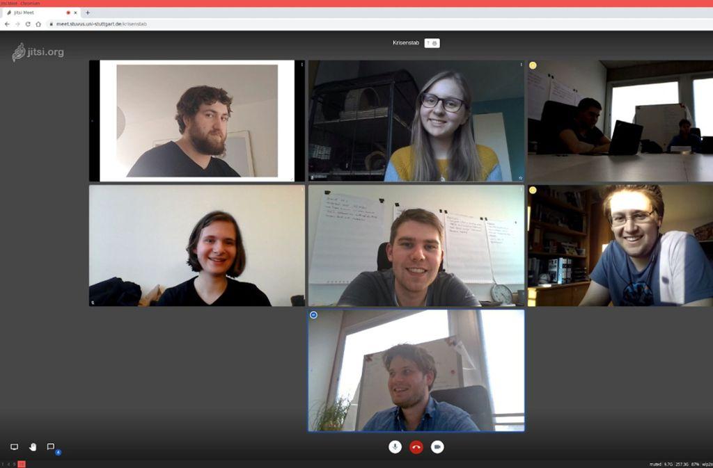 Der Corona-Krisenstab der  Stuttgarter Uni-Studierendenvertreter tagt per Videokonferenz. Foto: stuvus/Christopher Behrmann