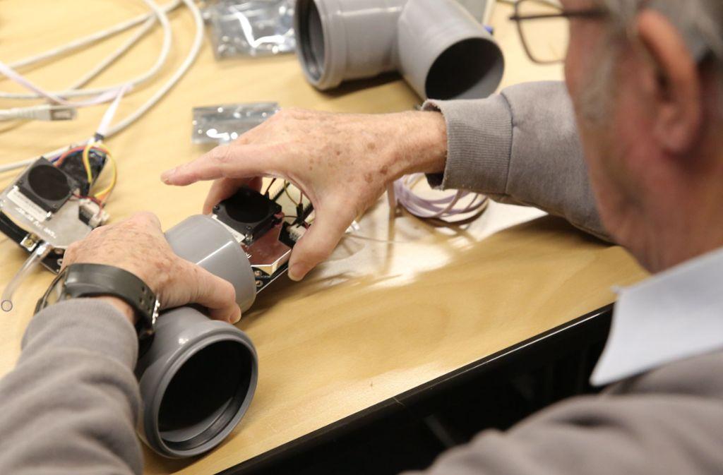 Hunderte selbst gebaute Geräte messen permanent den Feinstaub in der Region Stuttgart. Foto: Opel
